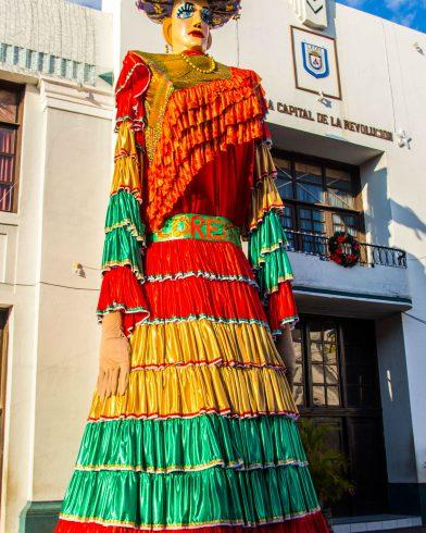 Big Piniata Statue