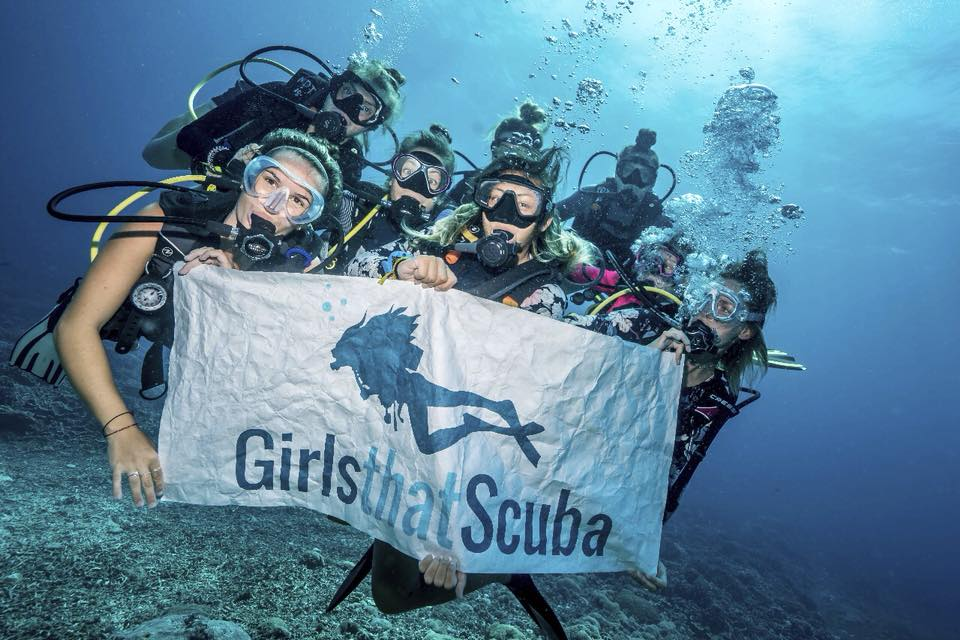 Girls That Scuba Day in Asia Setting a Scuba Diving World Record