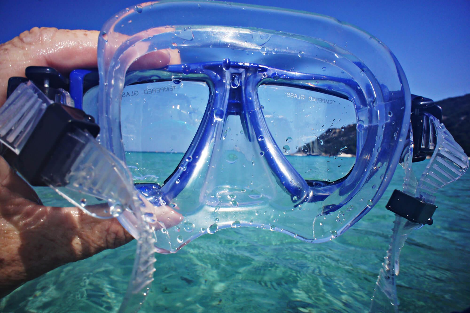 Looking into the Ocean in Cuba Through a Scuba Diving Mask