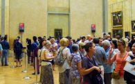 The Mona Lisa Crowd