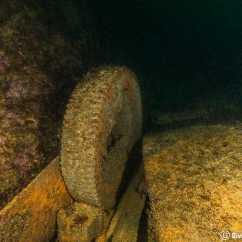 Portugal Shipwreck Boat Gear in Sesimbra