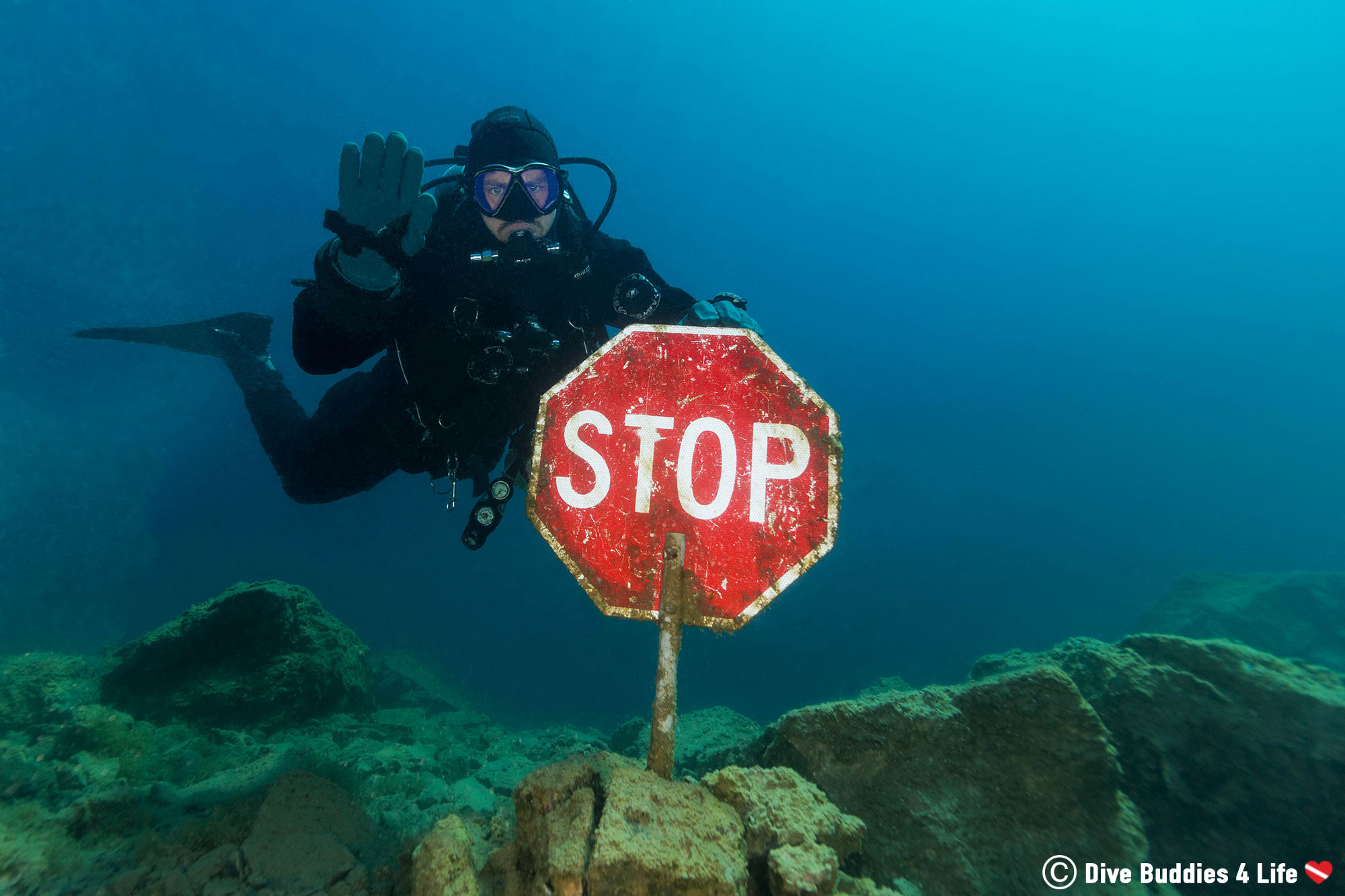 Scuba Diver Joey Reminding People To Stop At 15 Feet For Their Safety Stop, Sudbury Ontario